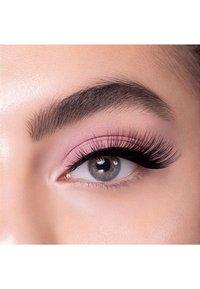 Melody Lashes - WISPY CHIC - False eyelashes - black - 1