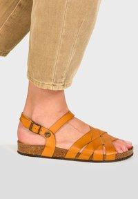 Pataugas - CASSIE F2G - Sandals - ochre - 1