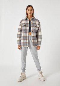 PULL&BEAR - Summer jacket - grey - 1