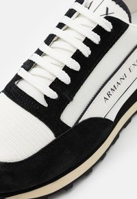 Armani Exchange - OSAKA  - Sneakers - white/black - 5