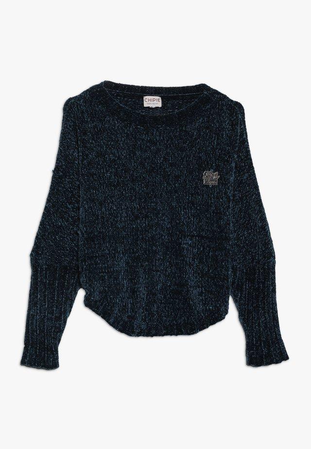 Stickad tröja - blue petrol