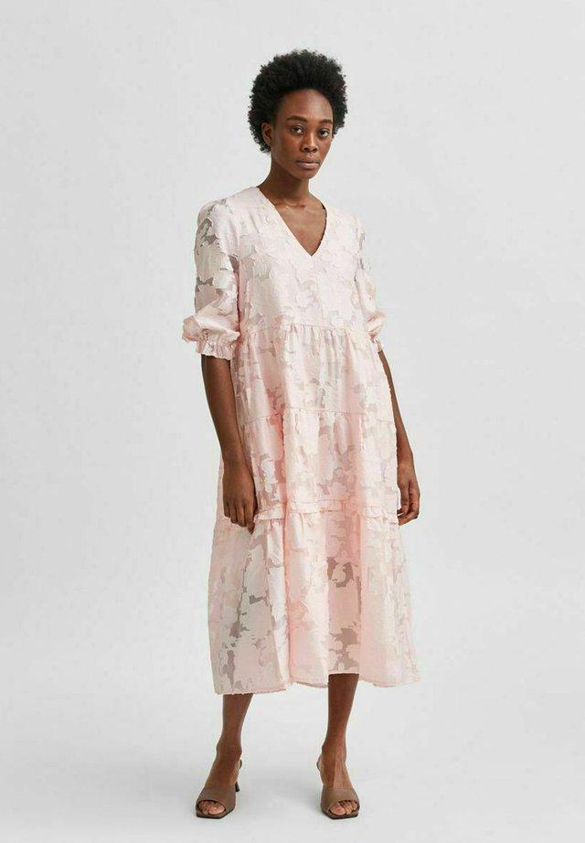 SLFSADIE MIDI DRESS - Vestito estivo - blushing bride