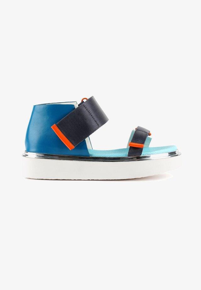 VITA - Sandalen met plateauzool - blue beat