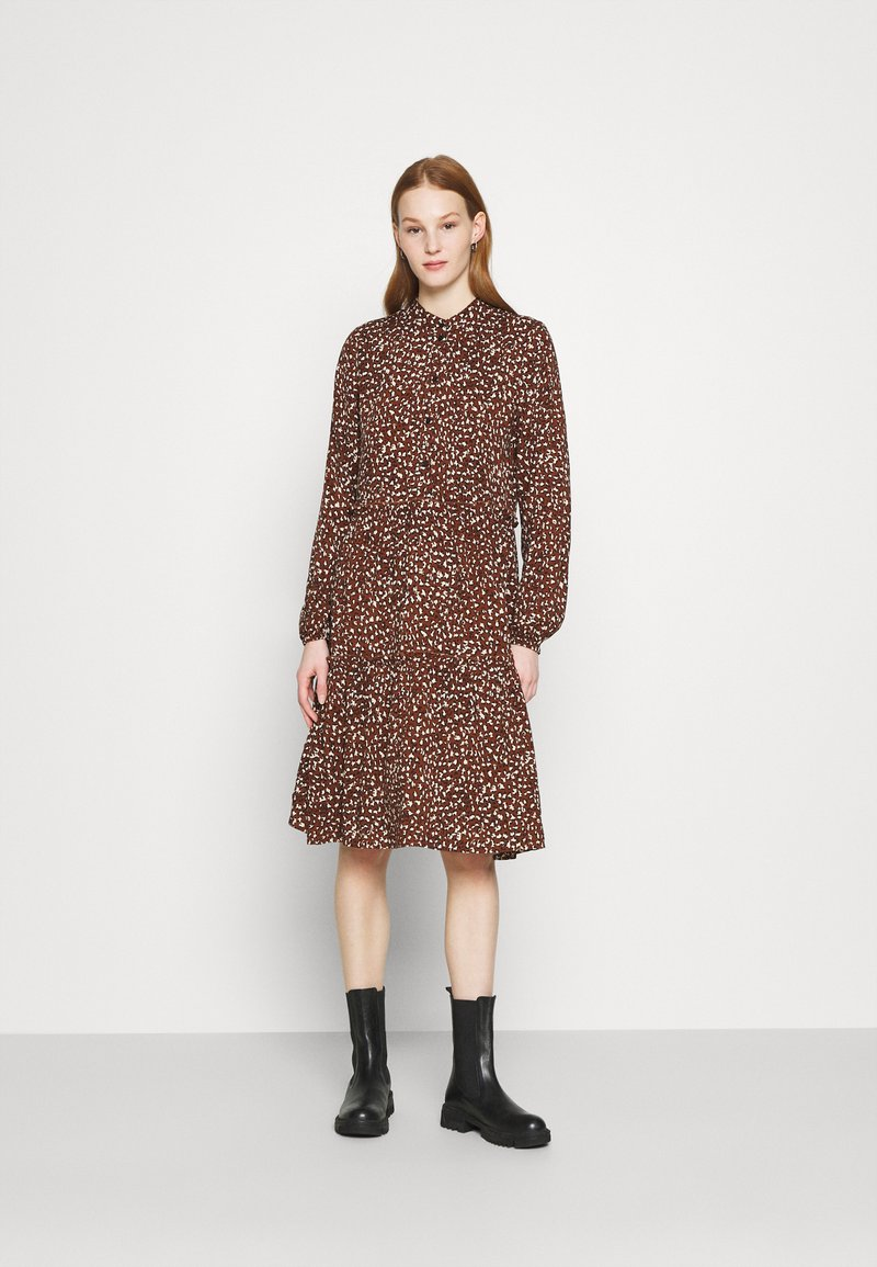 Vero Moda - VMHARPER DRESS - Shirt dress - brown