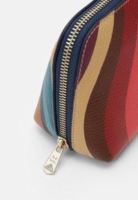 Paul Smith - BAG MAKE UP - Kosmetická taška - multicoloured - 3