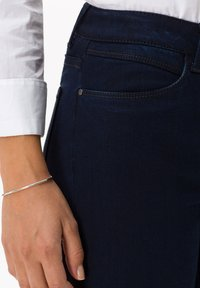 BRAX - STYLE SHAKIRA - Jeans Skinny Fit - clean dark blue - 3