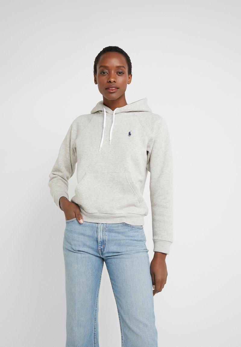 Polo Ralph Lauren - SEASONAL - Bluza z kapturem - light sport heath