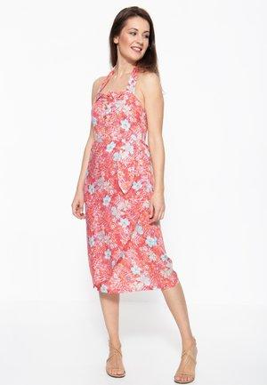 MIT TROPISCHEM MUSTER - Korte jurk - rot