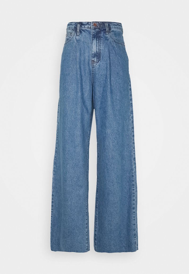 Missguided Tall - PLEAT DETAIL WIDE LEG - Flared Jeans - blue