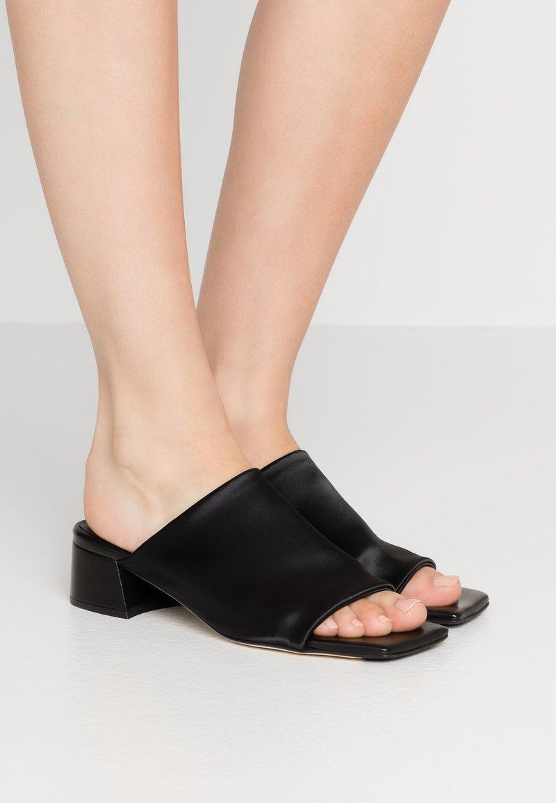 MIISTA - CATERINA - Pantofle - black