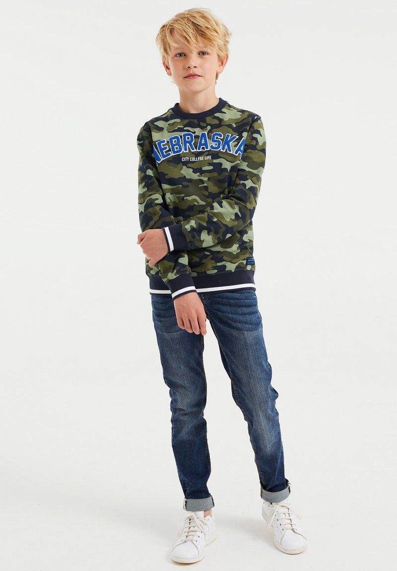 WE Fashion - JONGENS - Felpa - green