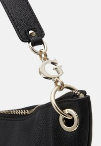 Guess - CHAIN LARGE HOBO - Tote bag - black - 4