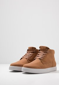 YOURTURN - Höga sneakers - cognac - 2