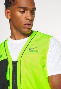 Nike Sportswear - VEST - Liivi - volt - 3