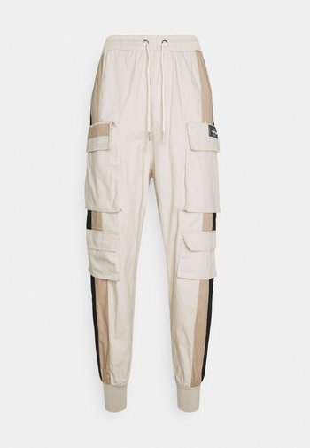 TRICOLOR CARGO PANTS - Cargo trousers - beige