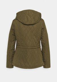 Barbour - MILLFIRE QUILT - Zimní bunda - olive/hessian - 1