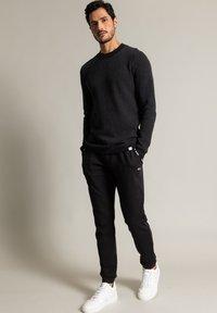 Nowadays - Sweatshirt - schwarz - 1