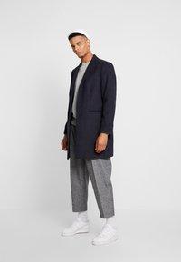 Burton Menswear London - FAUX CROMBI - Zimní kabát - navy - 1