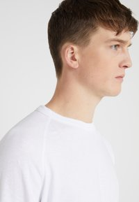 James Perse - VINTAGE RAGLAN - Sweatshirt - white - 4