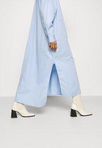 Hope - ANGLE - Sukienka koszulowa - blue - 3
