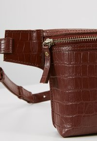 mint&berry - LEATHER - Bum bag - whiskey - 6