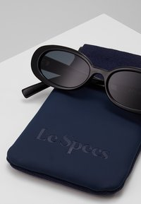 Le Specs - OUTTA LOVE - Sunglasses - black - 3