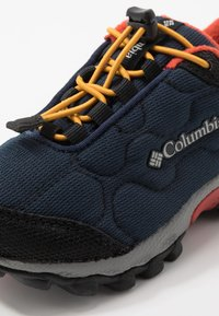 Columbia - CHILDRENS FIRECAMP SLEDDER WP - Hiking shoes - collegiate navy/flame - 2