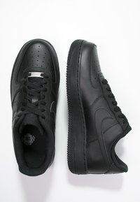 Nike Sportswear - AIR FORCE 1 '07 - Trainers - black - 1