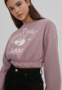 Bershka - MIT GUMMIZUG  - Sweatshirt - pink - 3