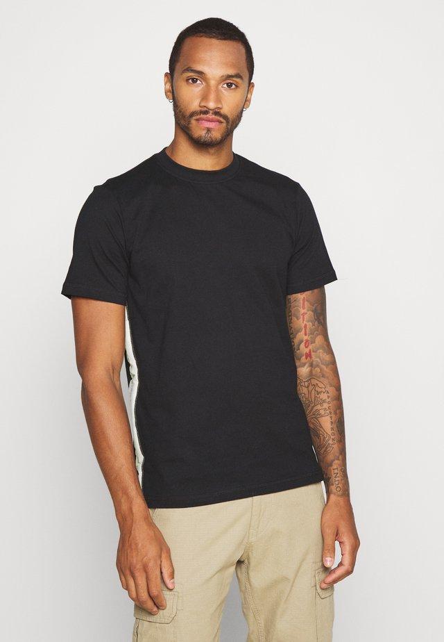 BRANDED LIMITED SIDE TAPE  - T-shirt print - black