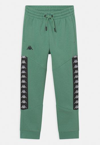 JORIS UNISEX - Pantaloni sportivi - malachite green