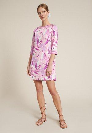 Jerseyjurk - var rosa rosa