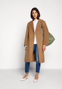 CLOSED - BALE - Zimní kabát - clay - 1