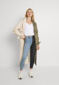Pieces - PCMUDITH CROPPED - Cardigan - bright white - 1