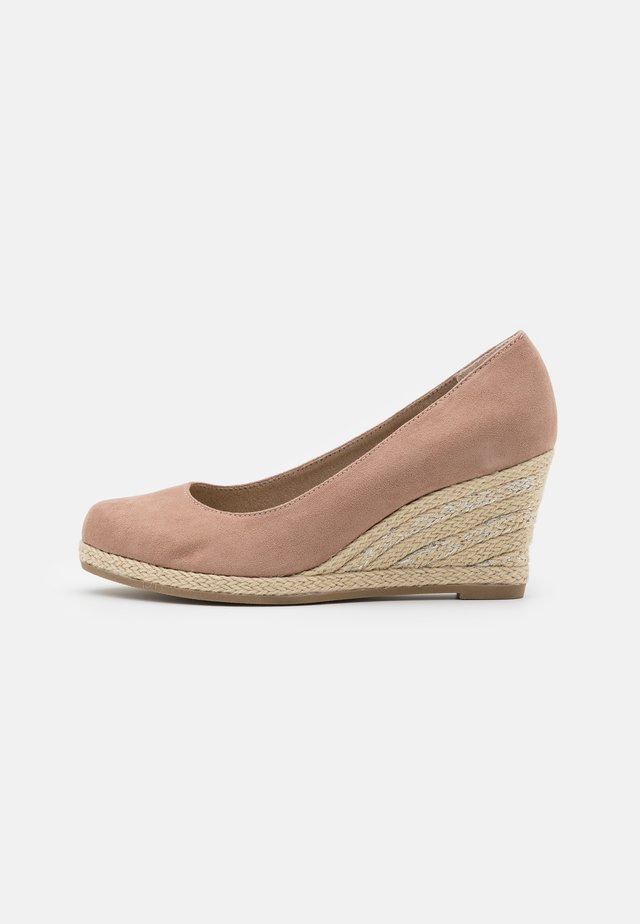 COURT SHOE - Sleehakken - nude
