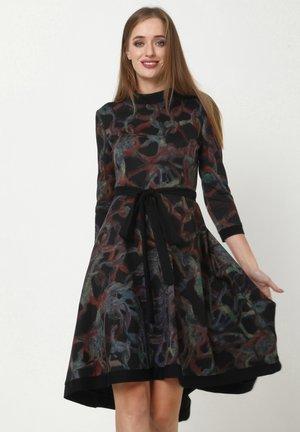 SAMBRA - Jersey dress - schwarz  grün