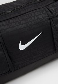 Nike Performance - VAPOR POWER M DUFF - Sportstasker - black/white - 7