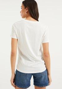 WE Fashion - Print T-shirt - off-white - 2