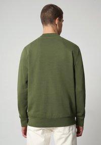 Napapijri - BALLAR - Sweatshirt - green cypress - 1