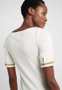 Lauren Ralph Lauren - T-shirts med print - mascarpone cream - 3