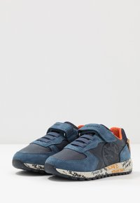 Geox - ALBEN BOY - Trainers - navy/orange - 3