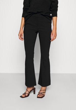 VMKAMMAKOMET FLARED PANT - Trousers - black