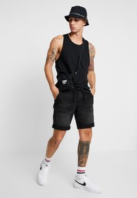 Redefined Rebel - COLOGNE DESTROY - Denim shorts - marble black - 1