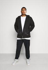 URBN SAINT - USELKON - Zip-up hoodie - black - 1