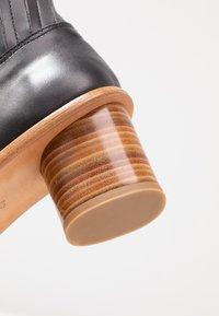Neosens - DEBINA - Korte laarzen - black - 2
