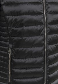 Champion - HOODED JACKET - Winter jacket - black - 5