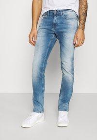 Tommy Jeans - SCANTON SLIM - Slim fit -farkut - wilson light blue - 0