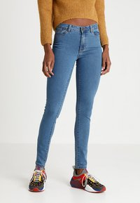 Vero Moda - VMJULIA FLEX IT  - Jeans Skinny Fit - medium blue denim - 0