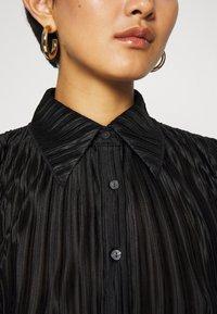 Who What Wear - PLISSE - Button-down blouse - black - 6