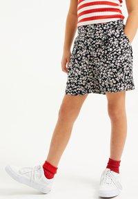 WE Fashion - MET STREEPDESSIN - Shorts - dark grey - 1